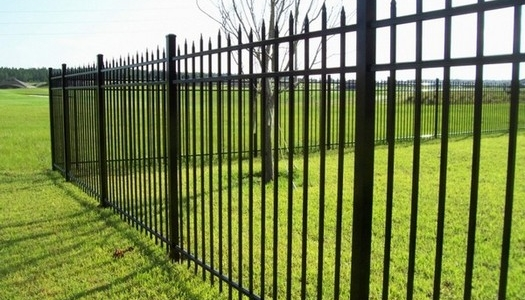 aluminum fence 3-rail staggered picket 6ft Tampa